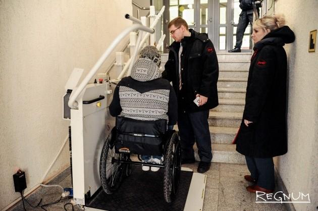 Подъемник для инвалидов на Ленинградском вокзале