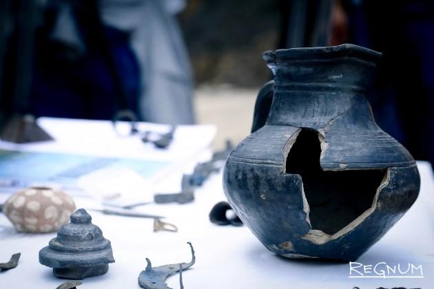 В Зарядье представили археологические находки старой Москвы: фоторепортаж