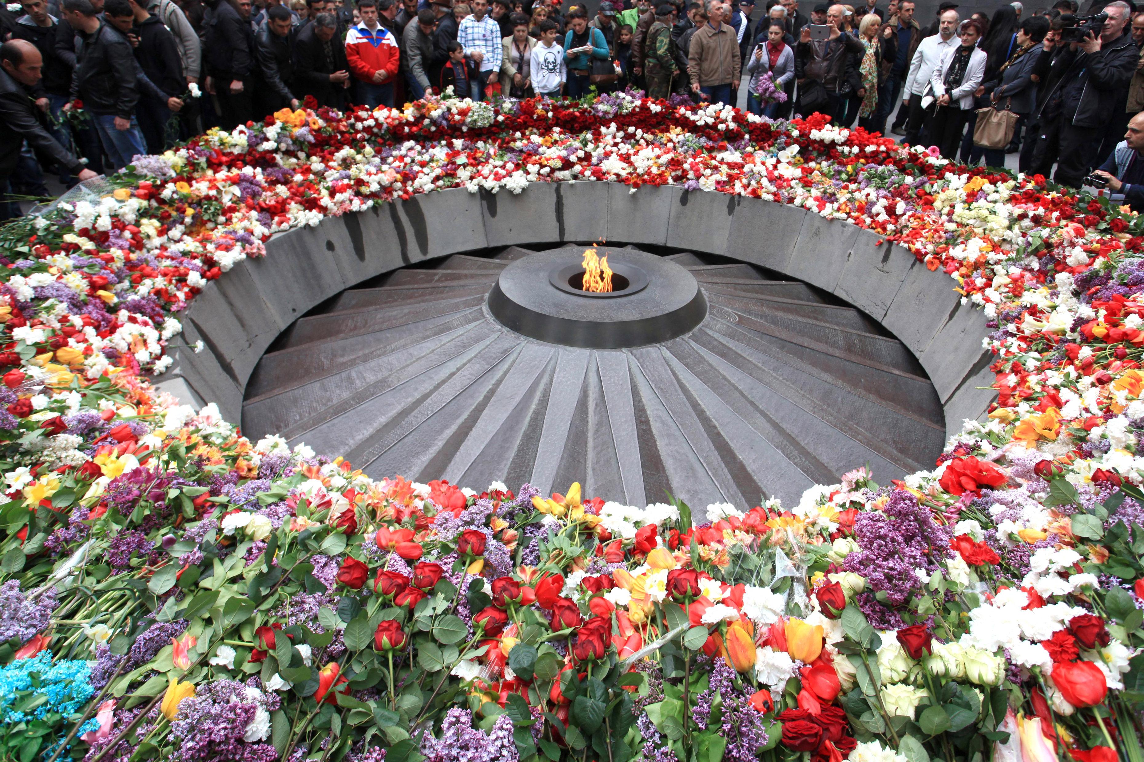 Столетие геноцида армяню. У мемориала в Ереване. 2015