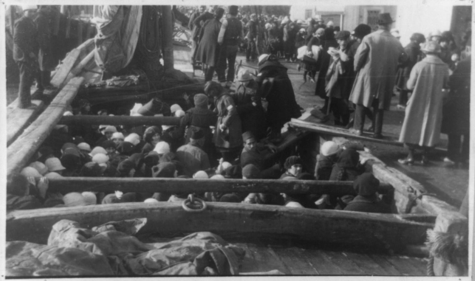 Армянские беженцы в Сирии.  1915