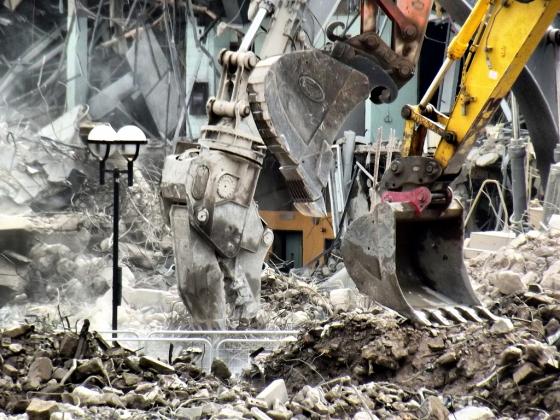Госдума не поддержала запрет сноса зданий, построенных в столицах до 1955