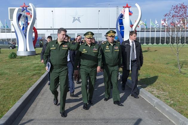 Сергей Шойгу посещает парк «Патриот»