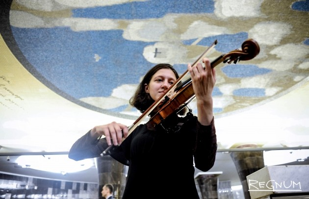 В московском метро начали давать концерты — фоторепортаж