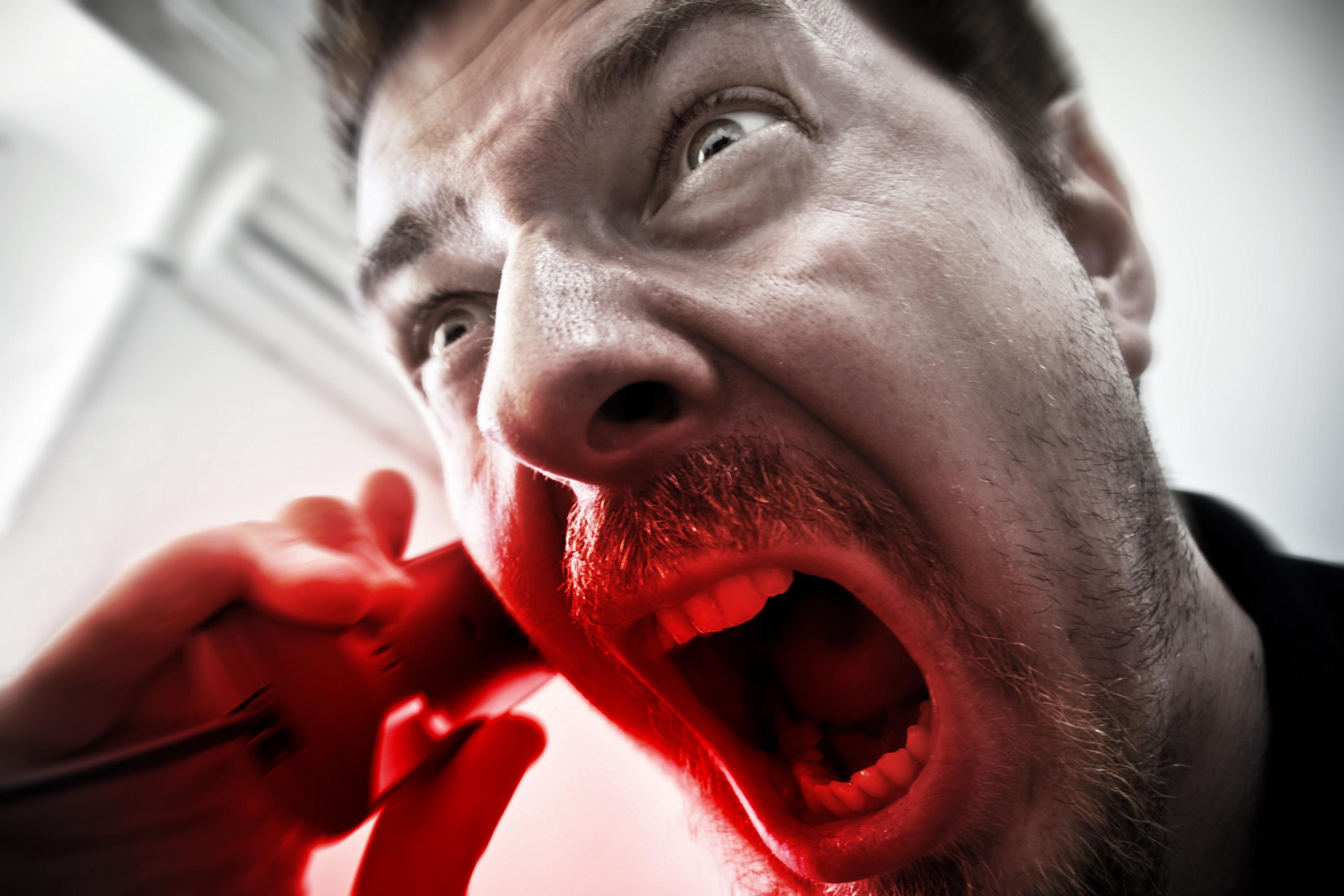 картинки с кричащим мужиком посевах зерновых