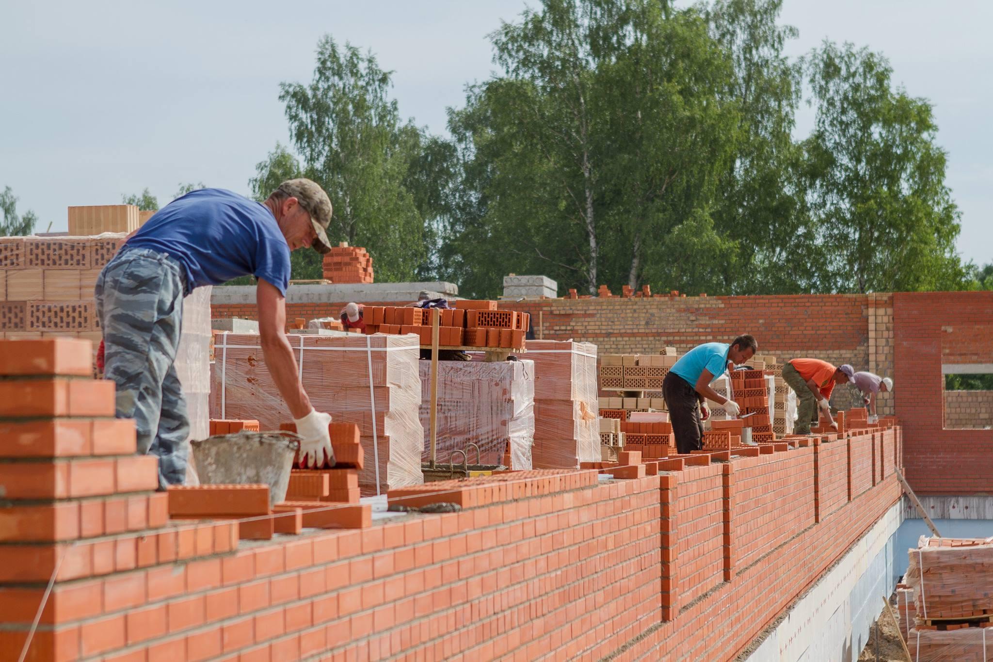 поэтапное строительство дома из кирпича фото развитие промышленности
