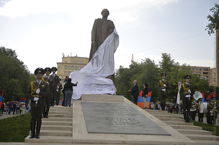 Споры об установке памятника Нжде перешли на межгосударственный ...