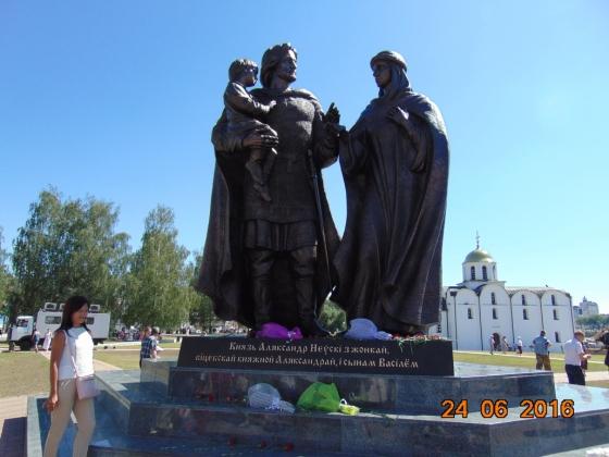 «На памятнике Александру Невскому в Витебске нет русского духа»