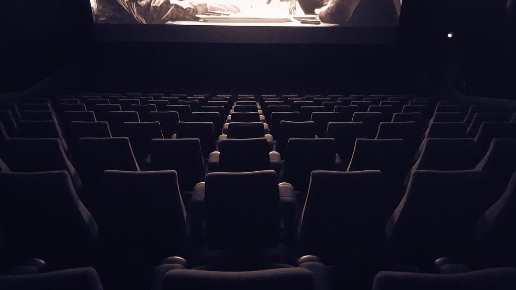 """Картинки по запросу """"пустой зал кинотеатра"""""""