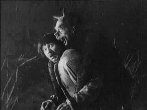 Первые отечественные фильмы возвратят на большой экран