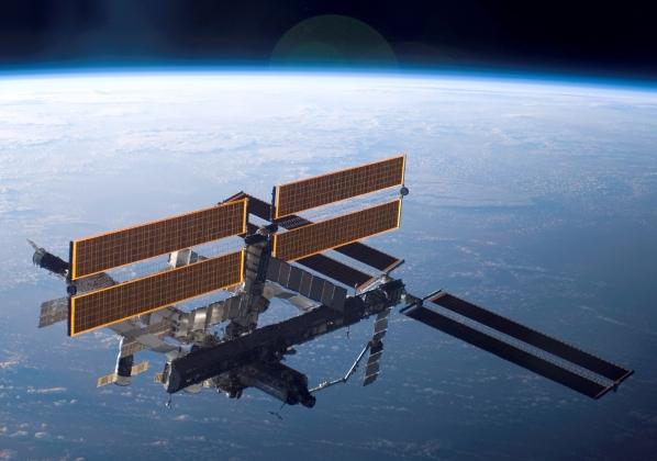 Жители РФ смогут увидеть МКС «невооруженным глазом»