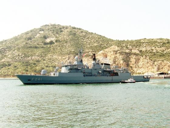 СМИ: мятежники захватили командующего ВМС Турции и фрегат «Явуз»