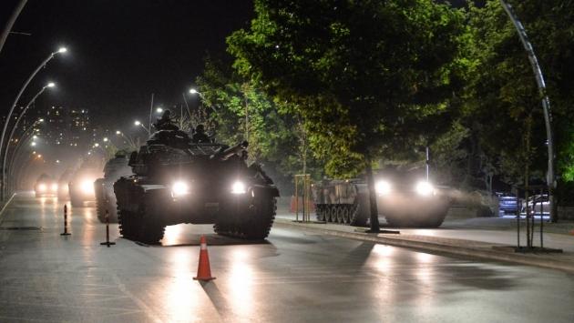 Ночь над Анкарой: кто спасет Турцию от развала?
