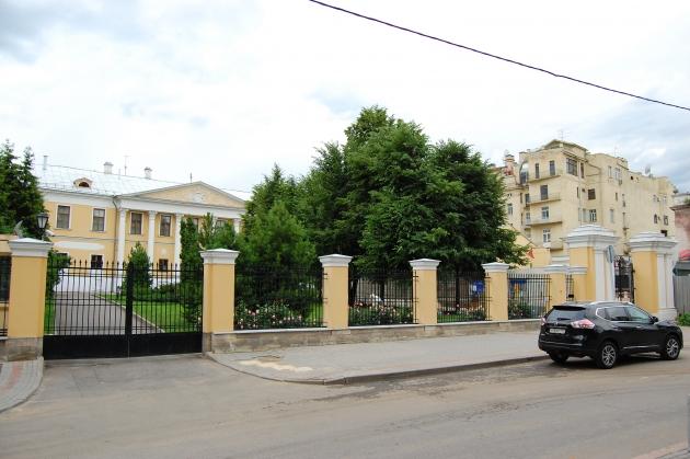 Скандал вокруг усадьбы Лопухиных: музеи делят здания до решения суда