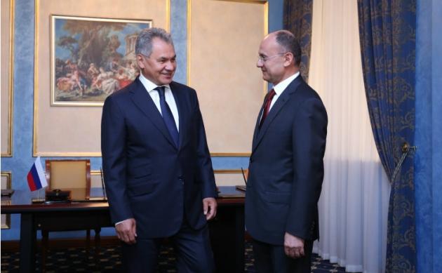 Министры обороны РФ и Армении обсудили обстановку в Закавказском регионе
