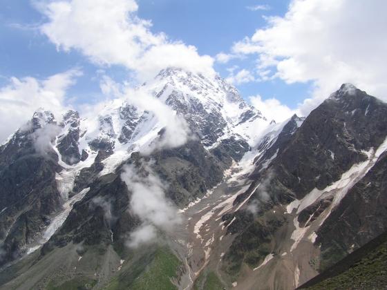 ЧП в горах Кабардино-Балкарии: туристы попросили о помощи