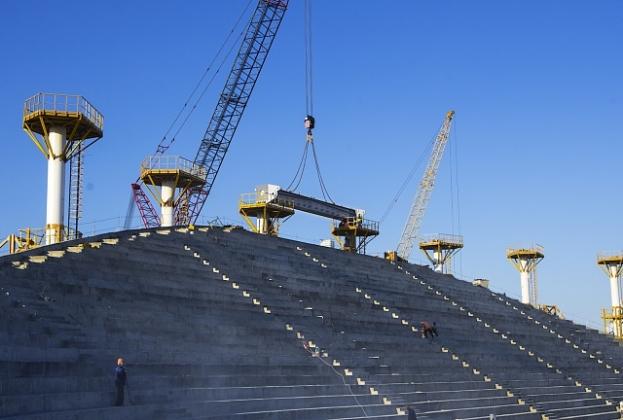 Строящийся к ЧМ-2018 стадион в Волгограде начали накрывать крышей