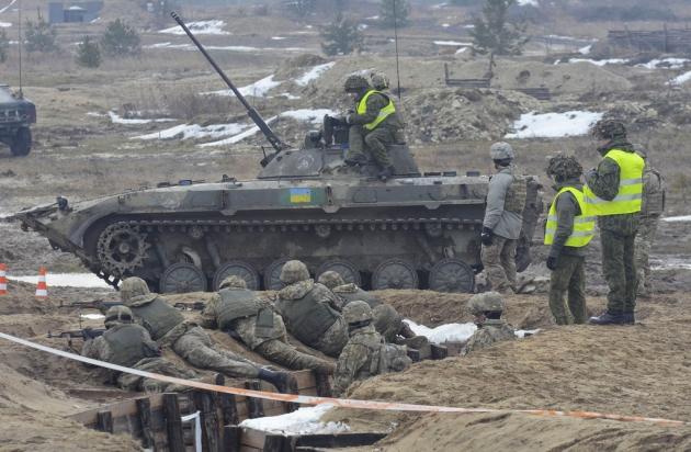 Ющенко призвал Киев срочно вводить военное положение, чтобы давить на Запад