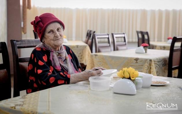 «Достойная пенсия в России должна быть как минимум 30-40 тыс. рублей»