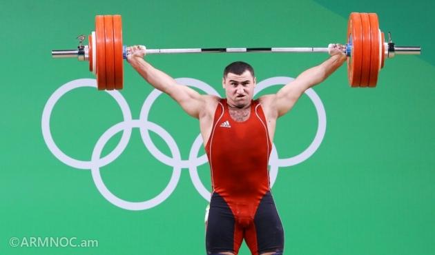 Серебряный призёр Рио-2016, штангист Симон Мартиросян
