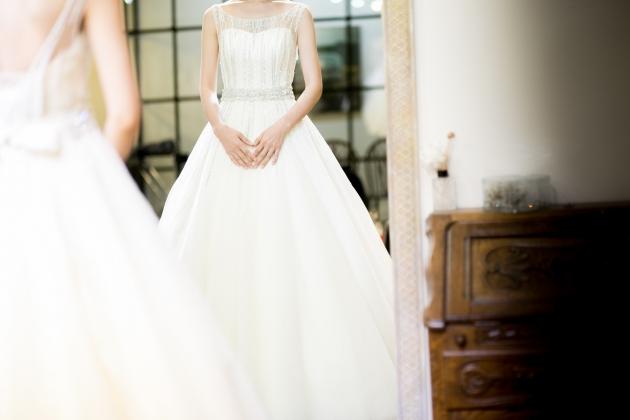 Свадебный наряд с печальной историей стал хитом интернет-торгов
