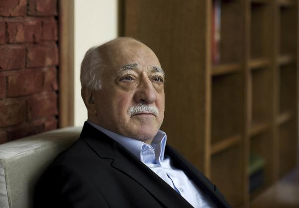 Гюлен: Эрдоган бросился в объятия Москвы от безысходности