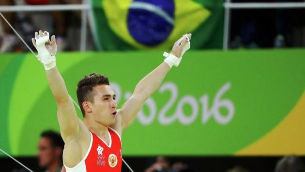 «Командная медаль ценнее»: екатеринбургский гимнаст вернулся из Рио