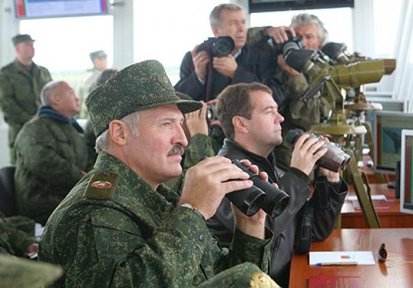 Зачем в Белоруссии хотят воевать с Россией?