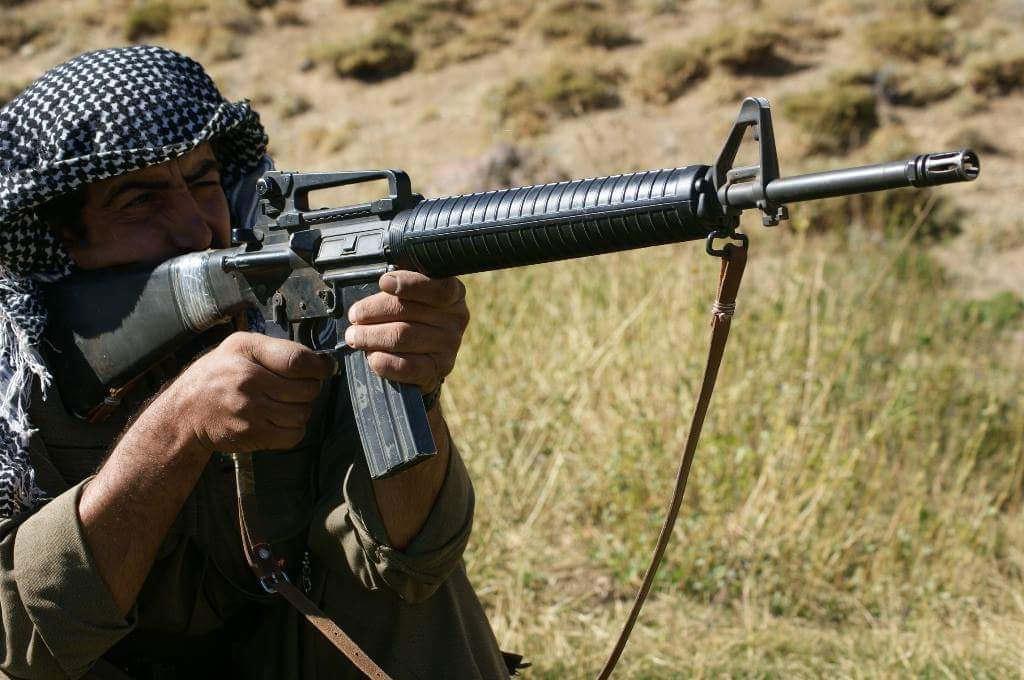 Курд — повстанец