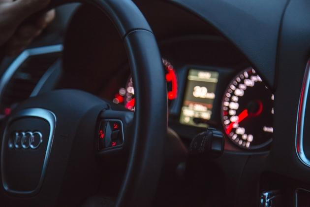 В Казахстане впервые приостановили действие водительских прав из-за долгов