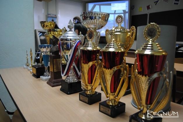 Заслуги юных моряков отмечены многочисленными наградами