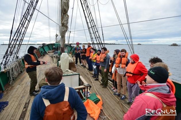 Командная работа в море очень важна