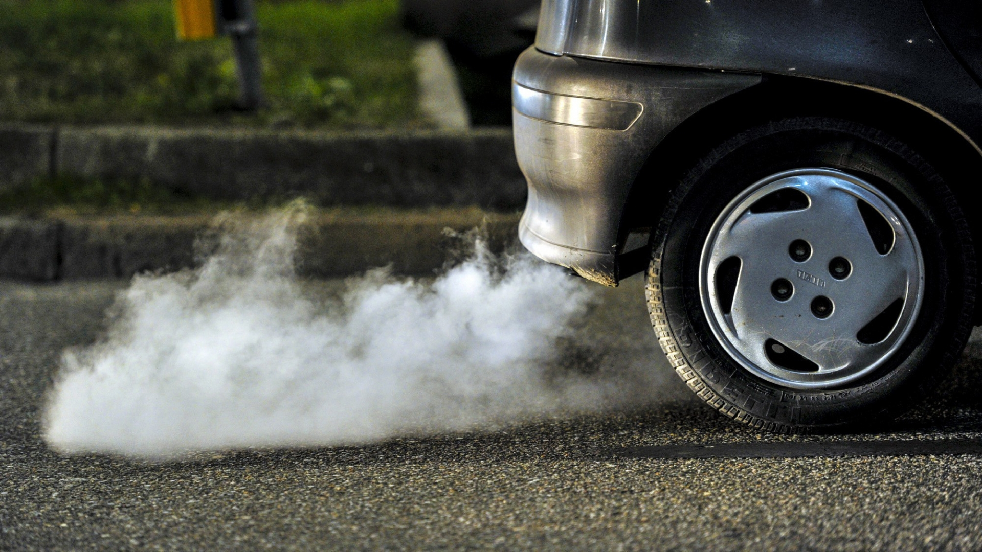 the growing concerns over pollution from automobile emissions In recent years there has been a growing concern about the rapidly deteriorating environment in the urban areas of this country in terms of air, water, and noise pollution.