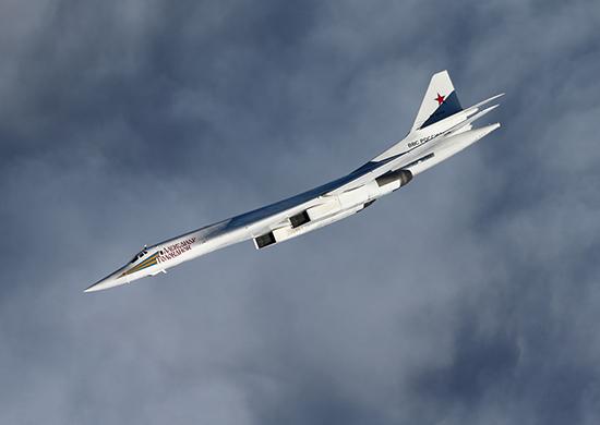Дальний бомбардировщик Ту-160
