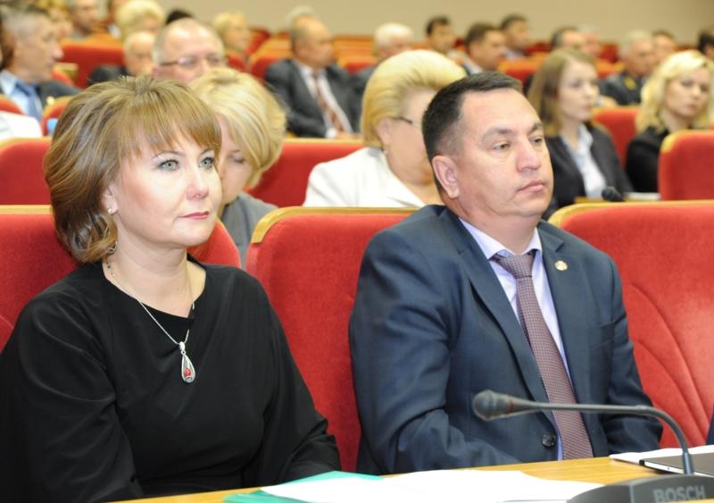Глава Минфина Светлана Енилина и руководитель администрации главы Чувашии Юрий Васильев
