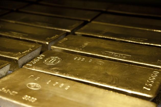 Китай и Россия продолжают наращивать золотые запасы