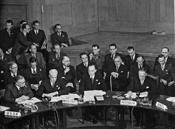 Норман Макин (Австралия), выступает на первой сессии Совета Безопасности 17 января 1946 года