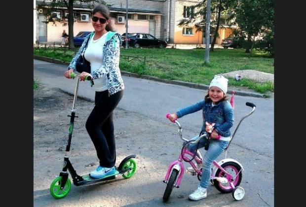 Виктория и Диана Голенковы (скриншот страницы в соцсети)