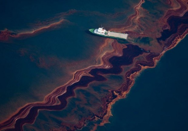 Жители дельты реки Нигер требуют компенсацию за разлив нефти