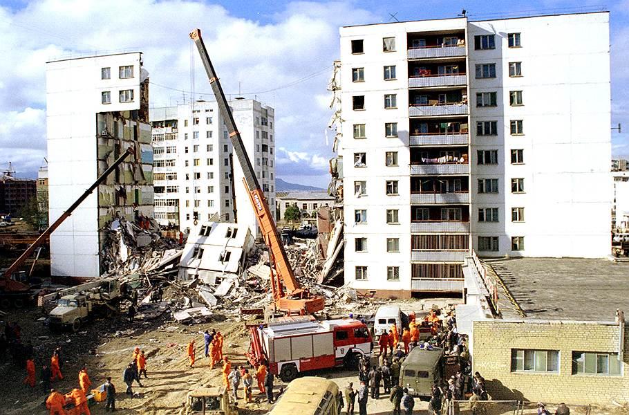 Ликвидация последствий взрыва в Каспийске 16 ноября 1996 года