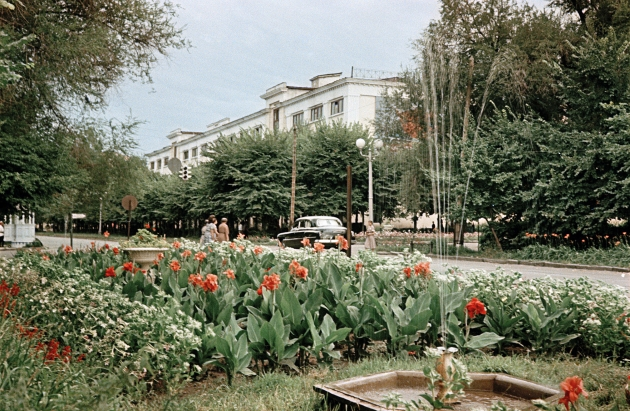 Алма-Ата, улица Кирова. 1955—1960