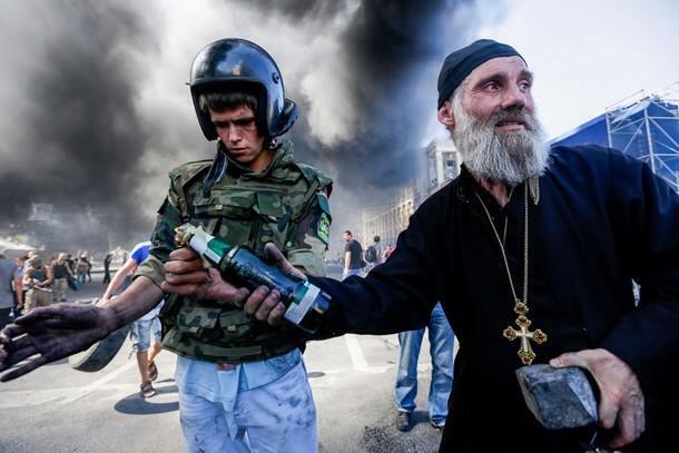 Михайловский монастырь в Киеве снова бьет в колокола в память о событиях на Майдане - Цензор.НЕТ 255