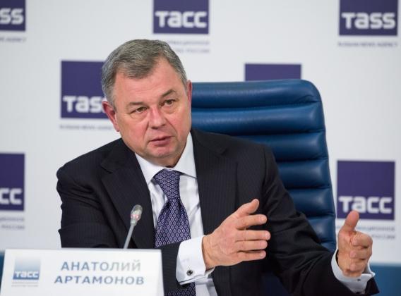 Губернатор Анатолий Артамонов выступил на пресс-конференции в Москве.