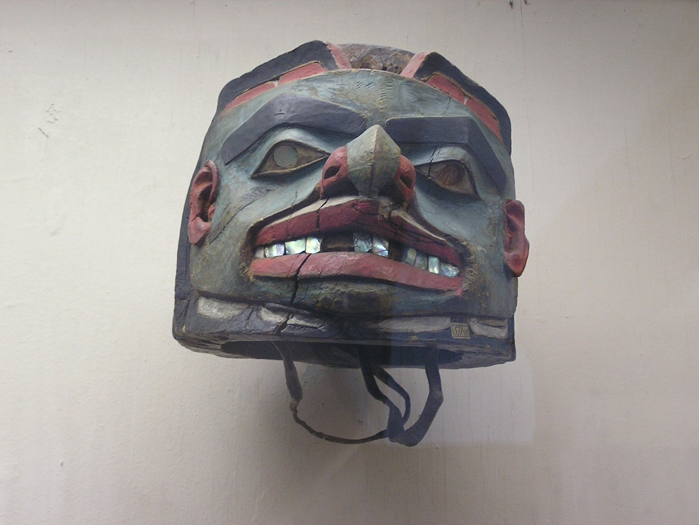 Деревянный шлем