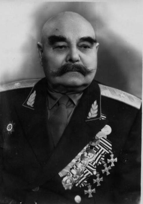 Полный Георгиевский кавалер генерал-майор Василий Книга