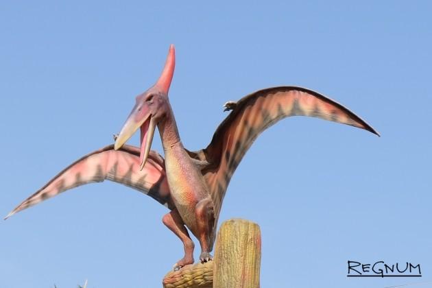 Ученые обнаружили хорошо сохранившийся хвост пернатого динозавра