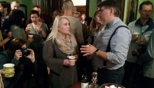 Министр культуры Калининградской области Светлана Кондратьева (в центре) на открытии частного кёнигсбергского музея