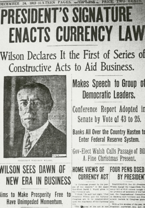 Газета от 24 декабря 1913 года. Вудро Вильсон подписал Закон о Федеральном резерве