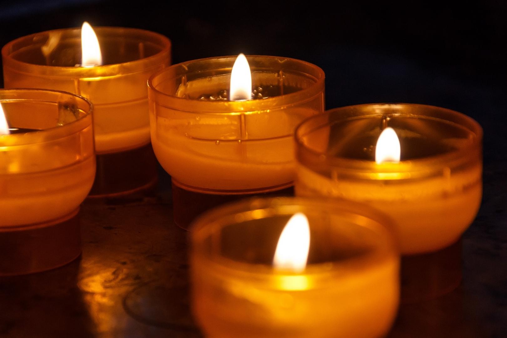 Картинки свечи поминальные