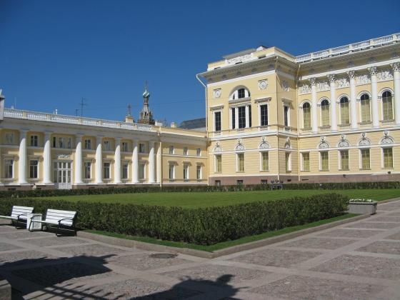 Михайловский дворец. Сад парадного двора