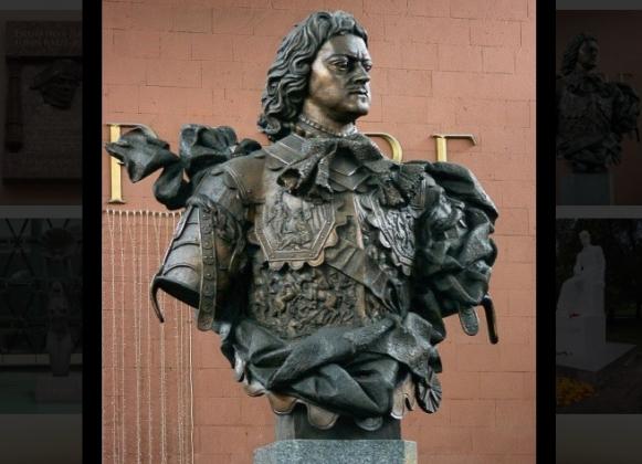 Бюст Петру I на Московском вокзале (скриншот)